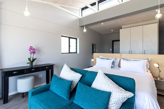 Sky Blue Guest House, Hotels in Cannon Rocks