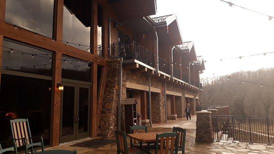 Wonderful accommodation, great staff, beautiful location