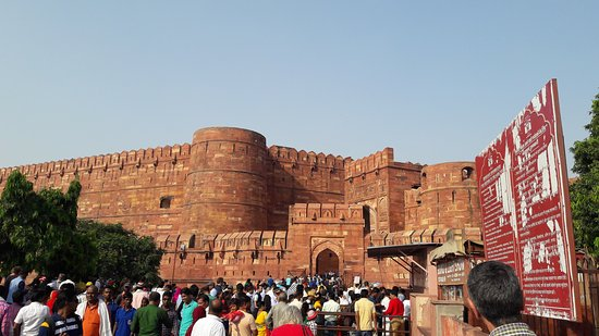 Private Full Day Taj Mahal and Fatehpur Sikri Tour from Delhi By Car: Agra fort