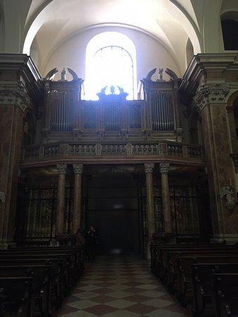 L'imponente tempio dei Gesuiti