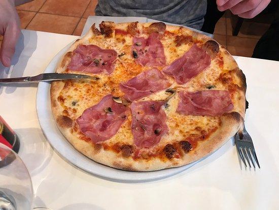 Pizzeria Zelgli Foto