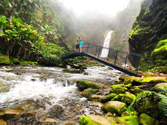Bajos del Toro, Costa Rica: Catarata Río Agrio