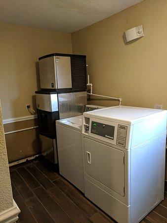 Tarboro, NC: Laundry