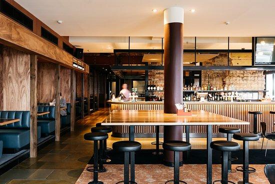 Bleakhouse Hotel, Albert Park - Restaurant Reviews, Phone Number