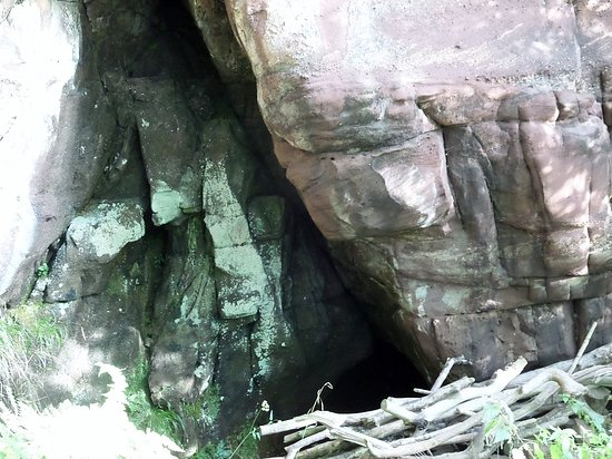 West Kilbride, UK: The holy cave