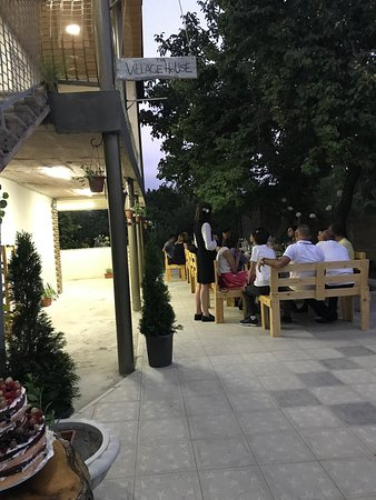 Kotayk Province, Armenia: Our guests having sweet time with family and friends.