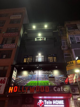 Hollywood Cafe PS