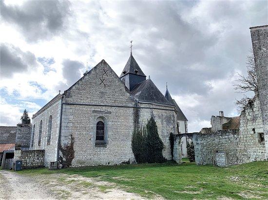 Chateau de Monts-sur-Guesnes