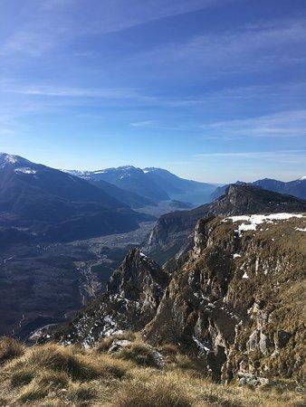 Comano Terme, إيطاليا: Il panorama a sud visto dalla cima del Monte Casale. Vivamente consigliato nelle giornate di sole, così da vedere uno spettacolo meraviglioso a 360°. 