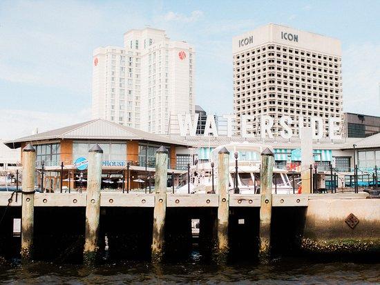 Norfolk Waterside Marriott overlooks Waterside and Downtown Norfolk