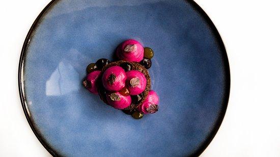ieti: Beetroot and chocolate desert