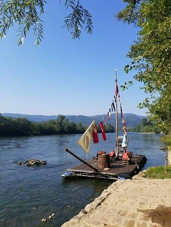 Ljubovija, Σερβία: Splav na Drini.