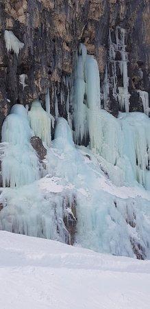 Alta Badia, Italia: Cascate di Ghiaccio - Scendendo dal Lagazuoi