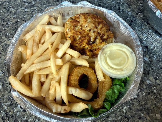 Carryout: Crab cake with fries and onion rings