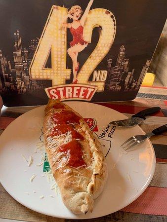 Pizzeria 42nd.Street: BOMBA 1