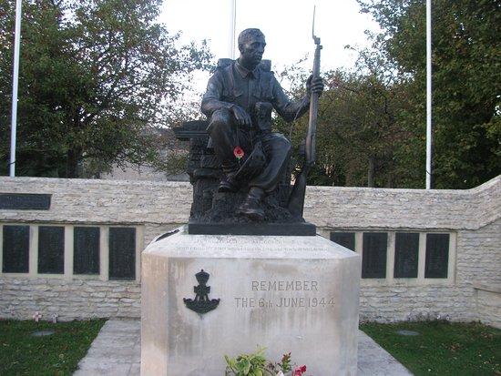 World War 2 memorial in Crepon France