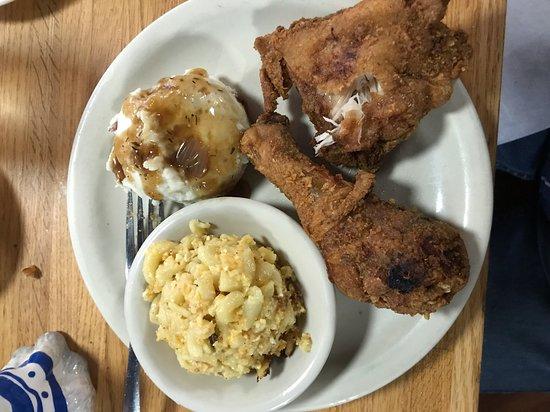 Fried Chicken Picture Of Jestine S Kitchen Charleston