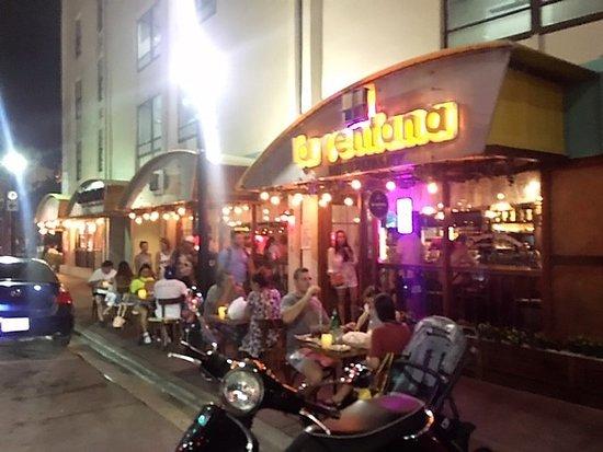 La Ventana Colombian Restaurant: Main entrance
