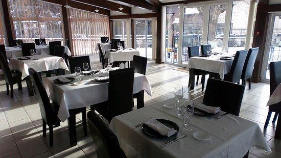 Blaisy-Bas, França: Salle de restaurant