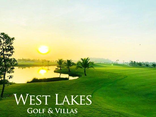 Long An Province, Vietnam: Chinh phục sông nước miền tây tại West Lakes Golf & Villas với Fairway uốn lượn, nhấp nhô. Mặt Green hai tầng, Green Ốc Đảo đầy thách thức