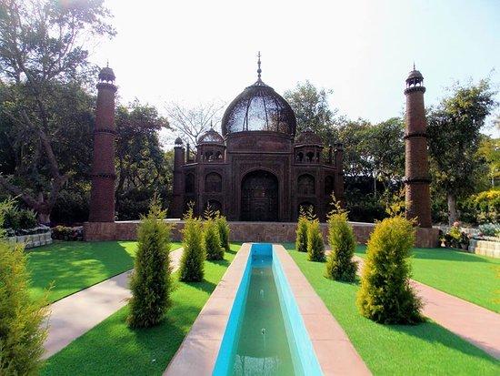 Seven Wonders Of World Park Delhi Review Of Waste To Wonder Park