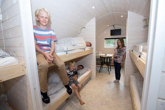 Oksbol, Denmark: 8-personers hytter uden toilet og bad.