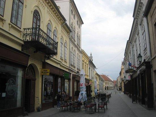 Vukovar-Syrmia County, Croácia: Vukovar centrum, Korso