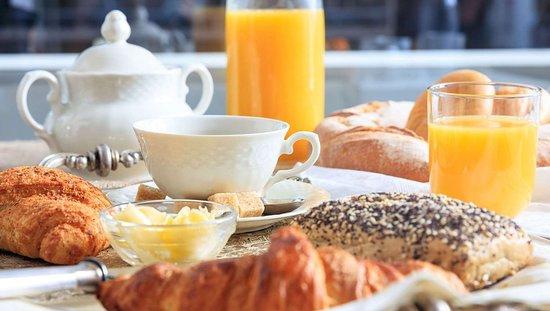 MH Commerce Commerce TX Property BreakfastArea
