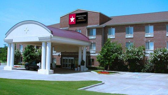 MH Commerce Commerce TX Property Exterior