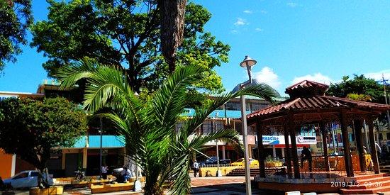Parque central de la ciudad de Cariamanga
