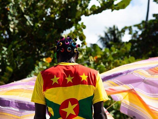 Côte méridionale, La Grenade : Colors of Grenada