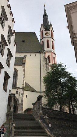 教会と急な石段