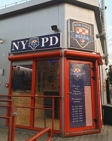 New York Pizza Department, Pilotow 95