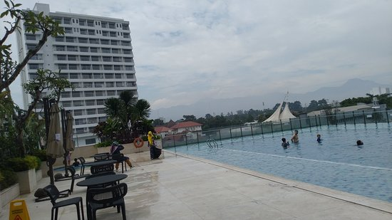 The best hotel in Bandung: Crowne Plaza