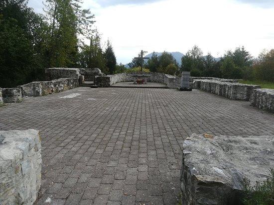Kirchenruine Neuhaus