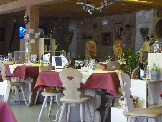 Cibiana di Cadore, Italy: Lato mostre