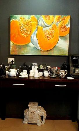 Mtunzini, África do Sul: Tea and coffee table in dining room