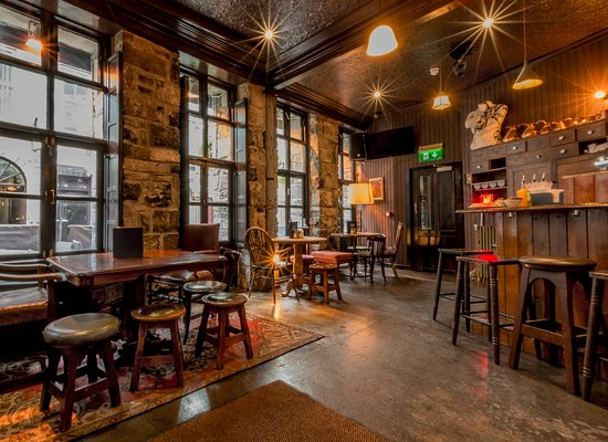 1520 Bar Galway with Trad Sessions daily