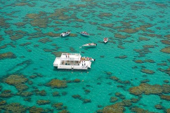 Parnamirim, RN: Na Praia de Maracajaú está localizado os Parrachos de Maracajaú, local ideal para pratica de snorkel ou cilindro.