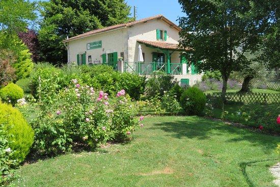 Les Jardins du Coq: Main reception building