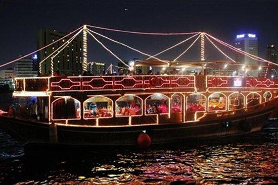 Dhow Cruise Dinner i Deira Creek...