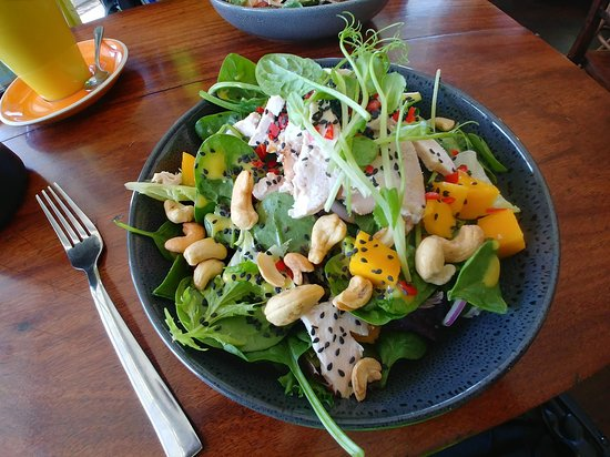 Vancouver Street Cafe: Mango Chicken Salad