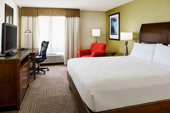 โรงแรมฮิลตันการ์เด้นอินน์ เลคแมรี่