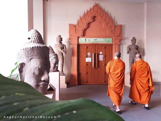 Angkor National Museum: The Origin of Khmer empire.
