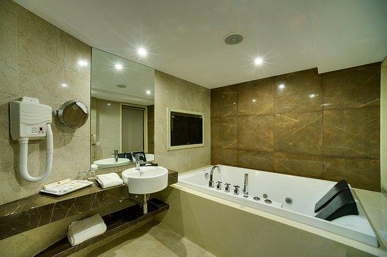Foto de Ramee Guestline Hotel, Juhu, Mumbai (Bombay): Premium Room - Tripadvisor