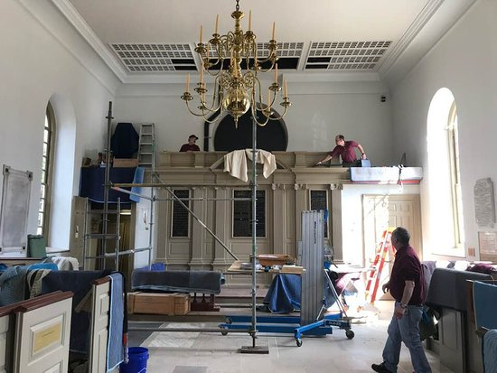 March 4, 2019 here's what's going on while the church is closed:  A new pipe organ is going in!