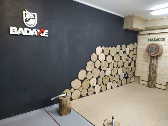 ‪BAD AXE Throwing Krakow‬