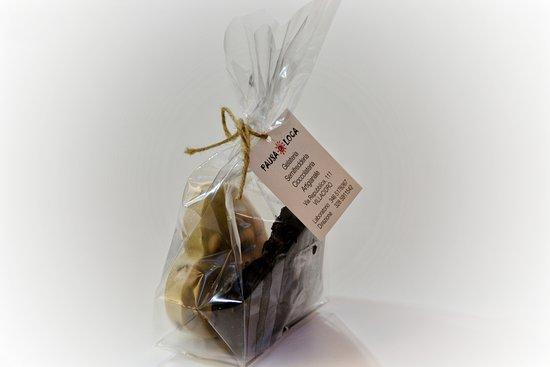 Villacidro, Italy: Il nostro cioccolato artigianale in confezioni regalo