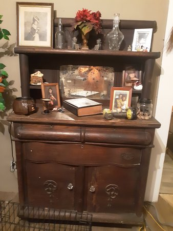 Brown's Antiques