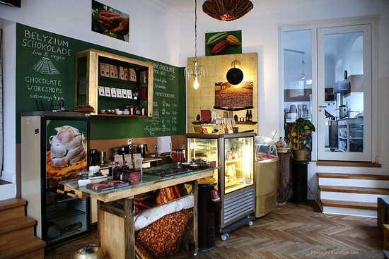 BELYZIUM Artisan Chocolate
